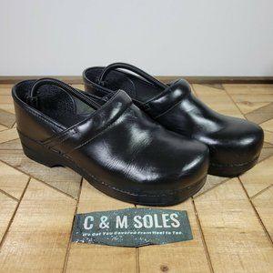 WIDE Dansko Slip On Professional  Clogs Black Leather